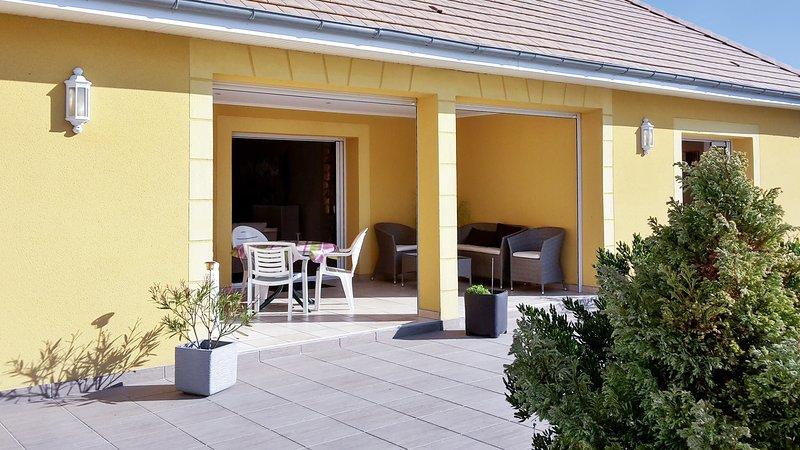 Spacious house with garden, location de vacances à Houlgate