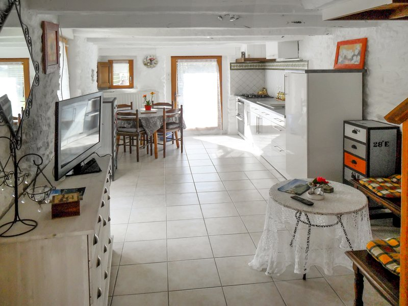 Amazing studio with terrace, holiday rental in Pluvigner