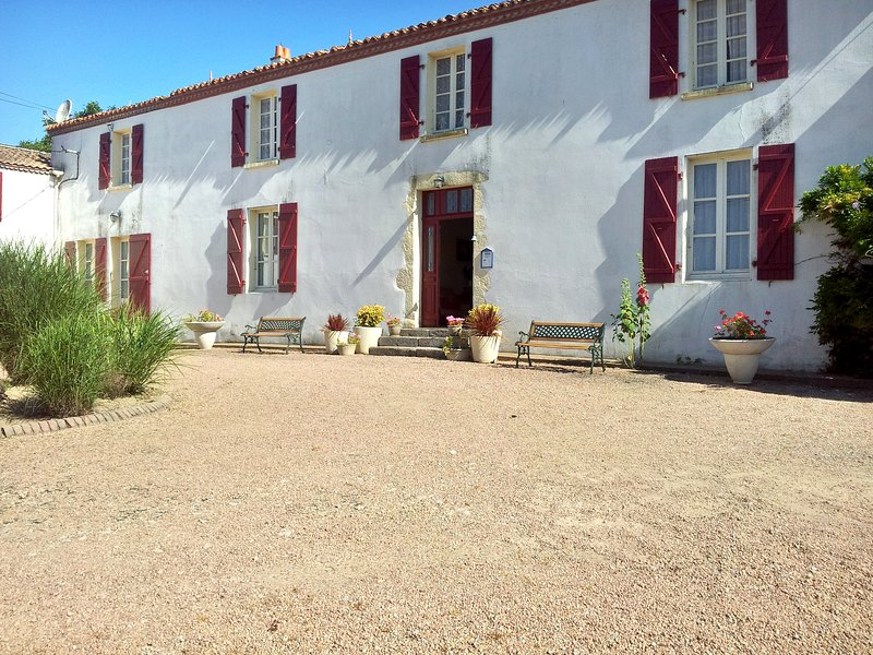 Beautiful house with garden & Wifi, holiday rental in Le Champ-Saint-Pere