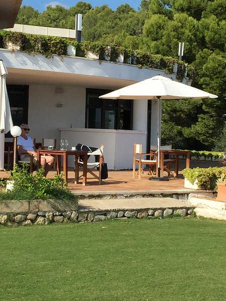 Enjoy a lovely lunch at the Club house Pollenca golf course.