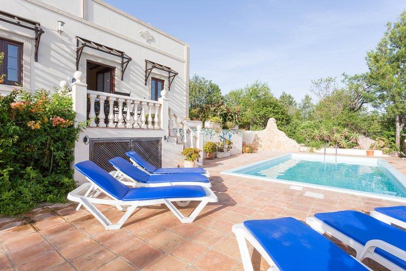 terraço banho de sol e piscina.