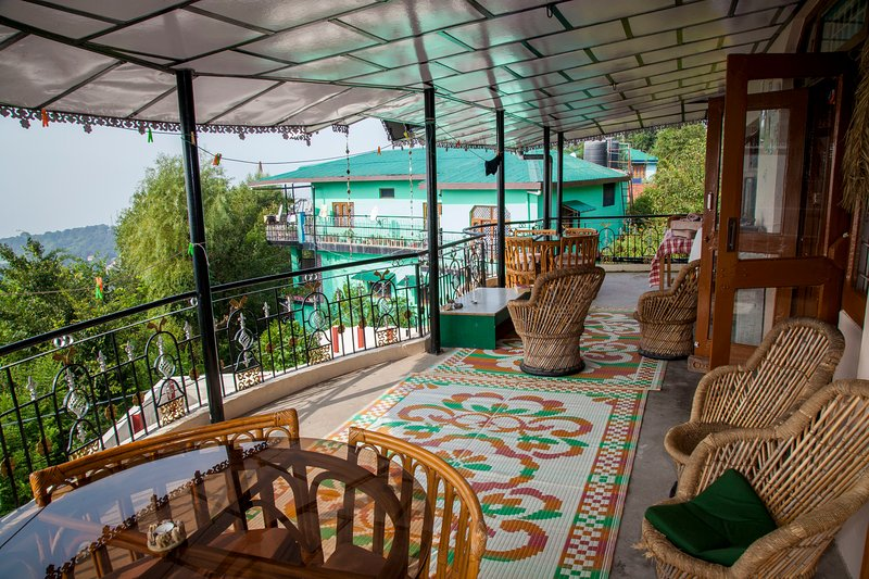 Our spacious balcony for eating, yoga, reading, relaxing...the best view around!