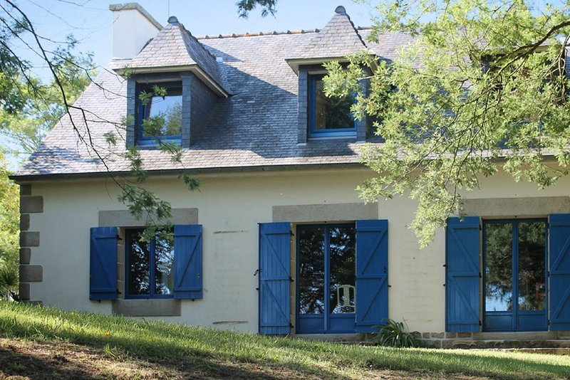 Amazing house near the beach, holiday rental in Treguier