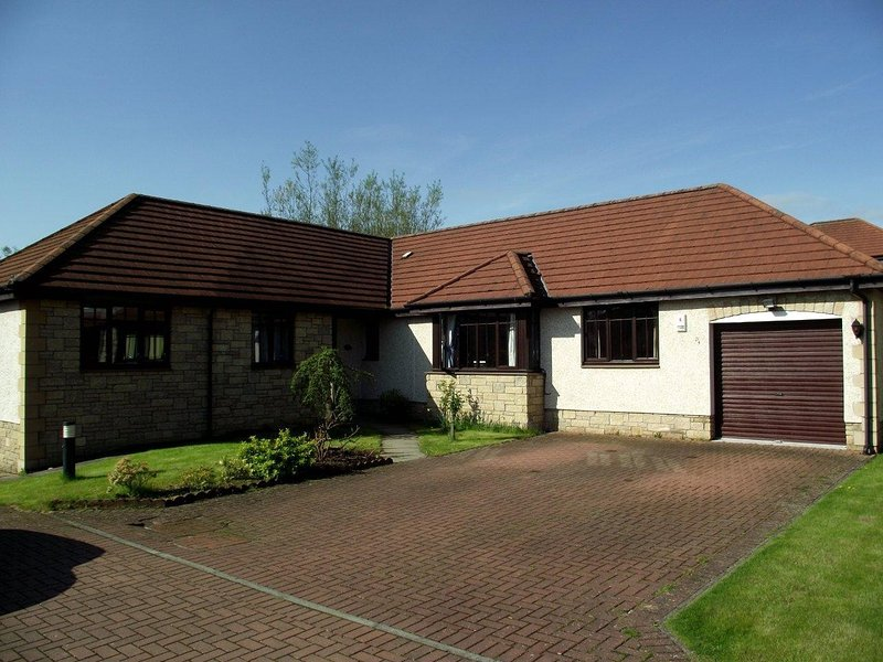 Luxury Bungalow in Kirkcaldy, location de vacances à Burntisland