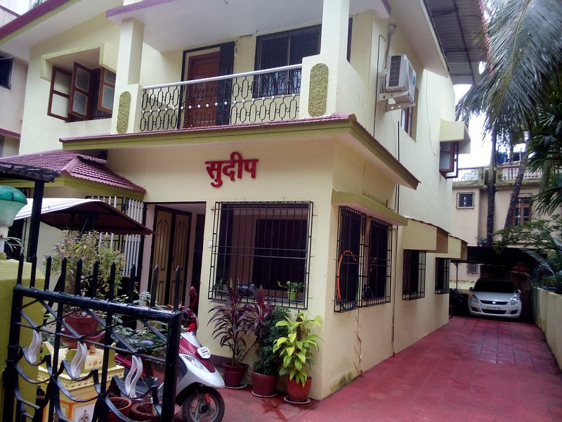 Sudeep bungalow is situated on Alibag Rewas Road near hotel ravi kiran. Near Alibag andVarsoli beach