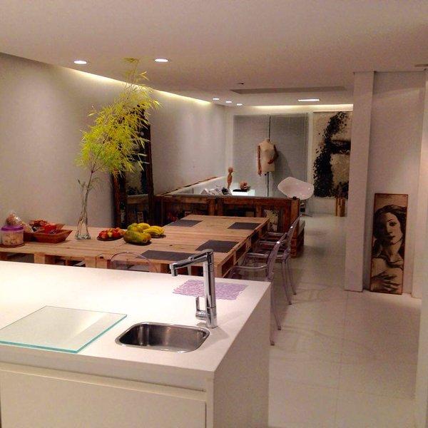 GREY STUDIO Village House_Brooklin, São Paulo, holiday rental in Diadema