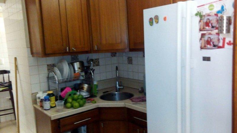 Apartamento amueblado de alquiler en la Esmeralda, holiday rental in Santiago Province