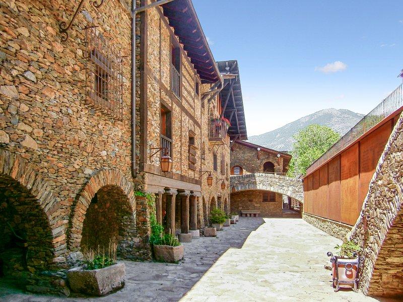 Apartment with mountain view, aluguéis de temporada em Ransol