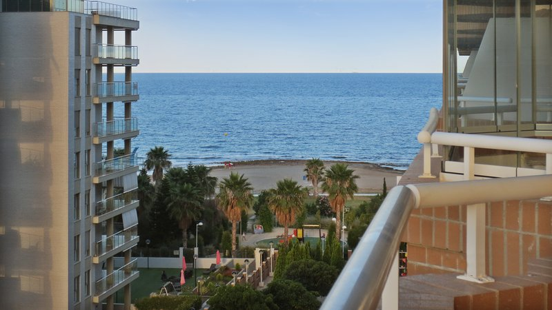 Amazing apartment with shared pool, holiday rental in Oropesa