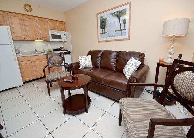 Sala de estar com mobiliário moderno