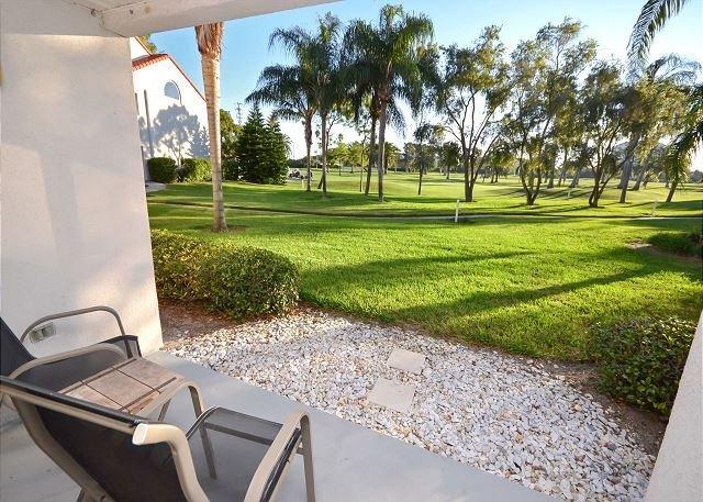 Prachtig uitzicht op de golfbaan vanaf de patio