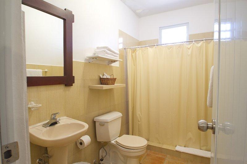 1 de 3 1/2 baños muy similares