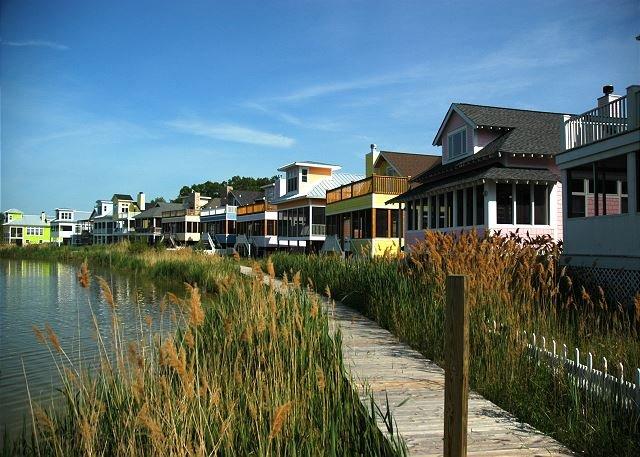 Community Lake Kai Boardwalk