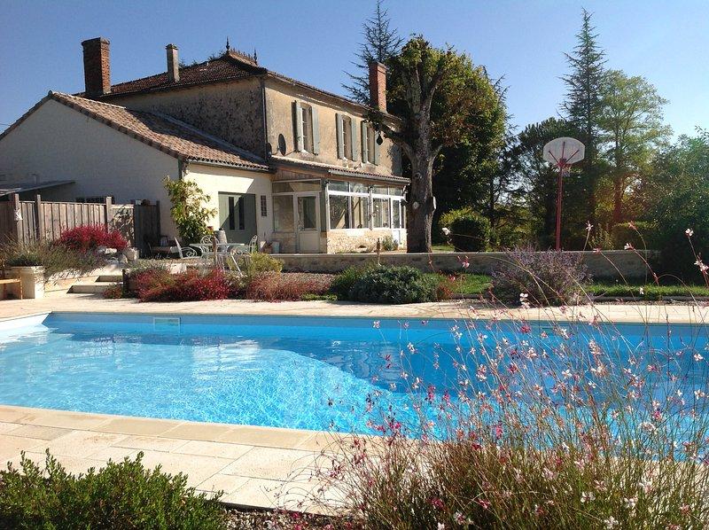 piscina privada (11x5) y el jardín