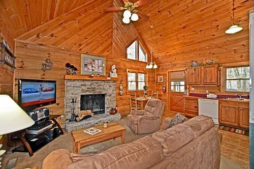 Living Room w/ TV and Sofa Sleeper