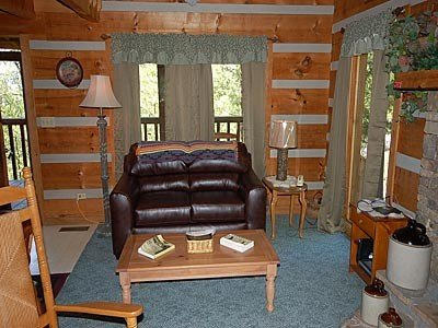 Living Room w/twin rollaway