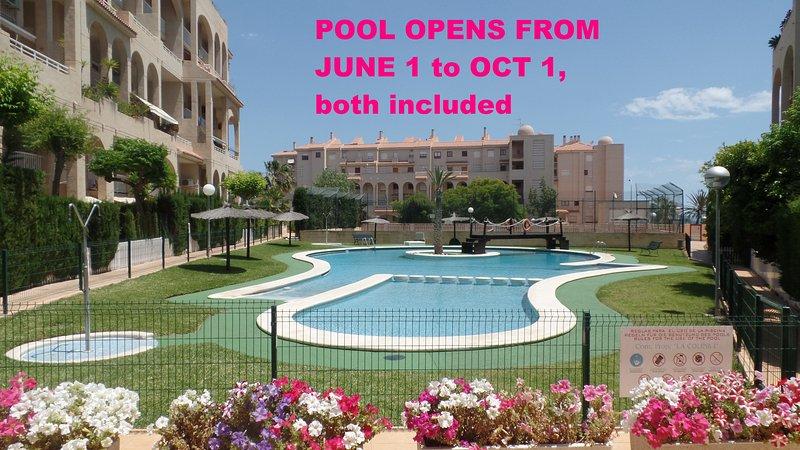 Belle piscine ouverte du 1er juin au 1er octobre. Entrée douce et espace réservé aux plus petits.