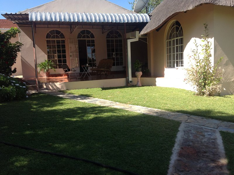 Lynn's Guest House, vacation rental in Bulawayo