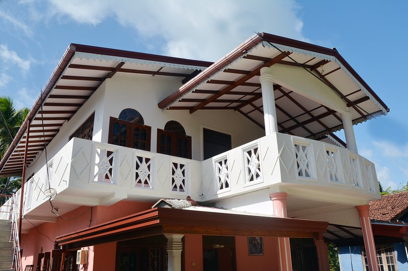 Rashmi Dilshani Villa, holiday rental in Balapitiya