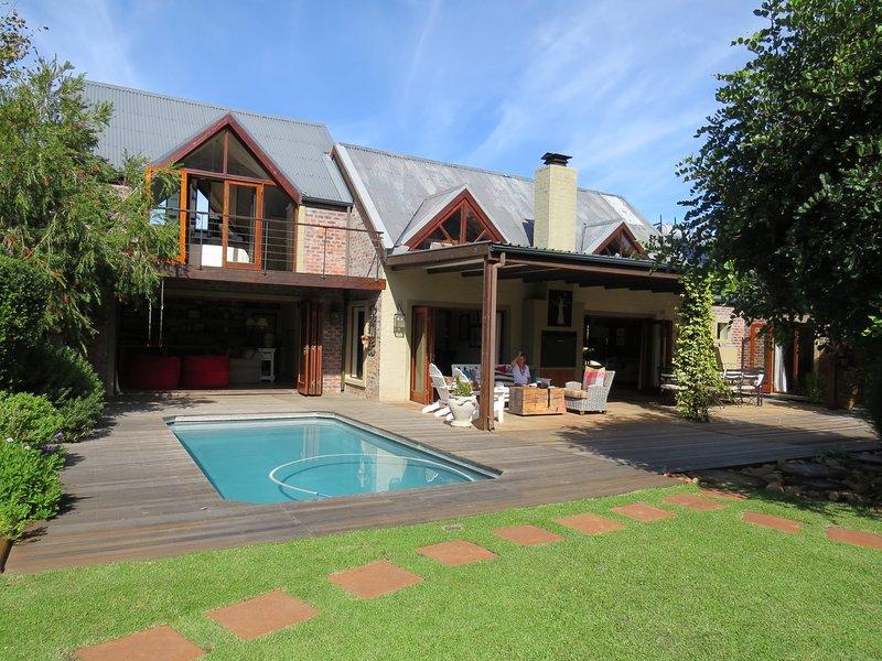Willoughby Place Villa, in the heart of Noordhoek, vacation rental in Noordhoek