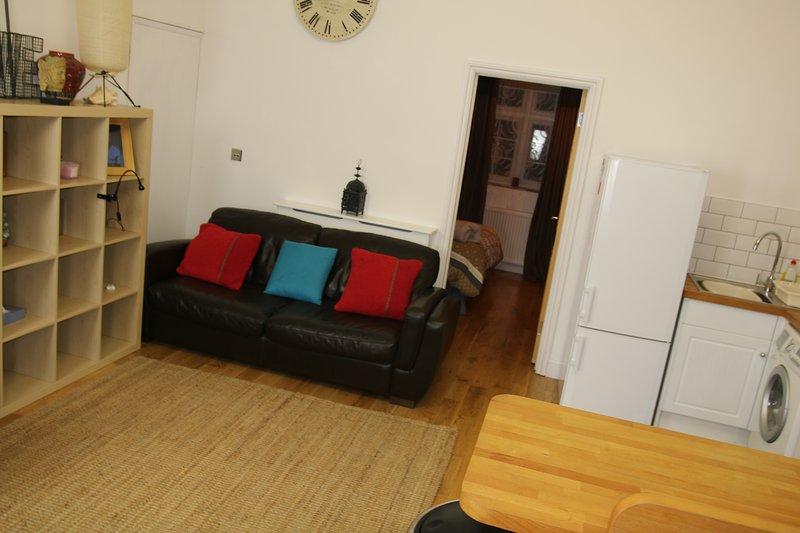 huvudsakliga lounge / kök