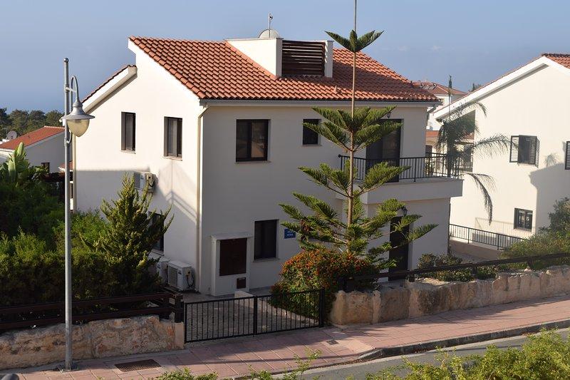 Lindamente apresentados 3 Quarto Villa, com ar condicionado, piscina privada, Wi-Fi gratuito, UK TV