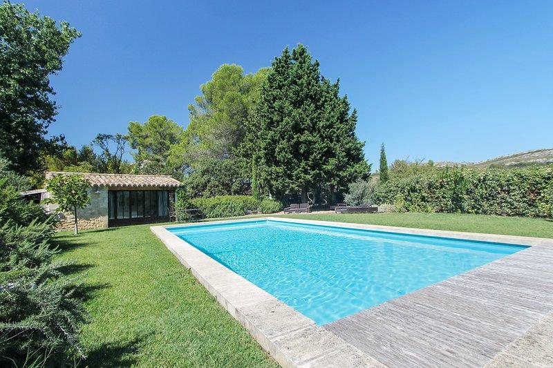 Amazing villa with swimming-pool, location de vacances à Maussane-les-Alpilles
