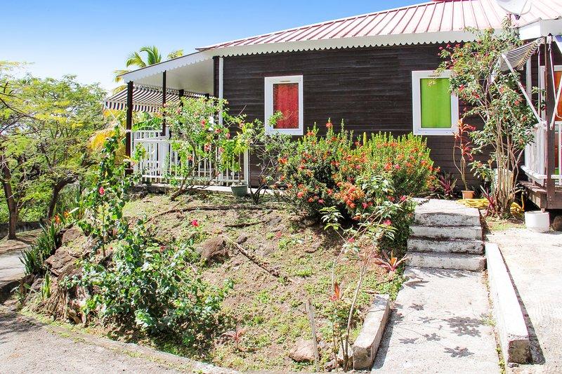 Beautiful bungalow near the beach, casa vacanza a Marigot