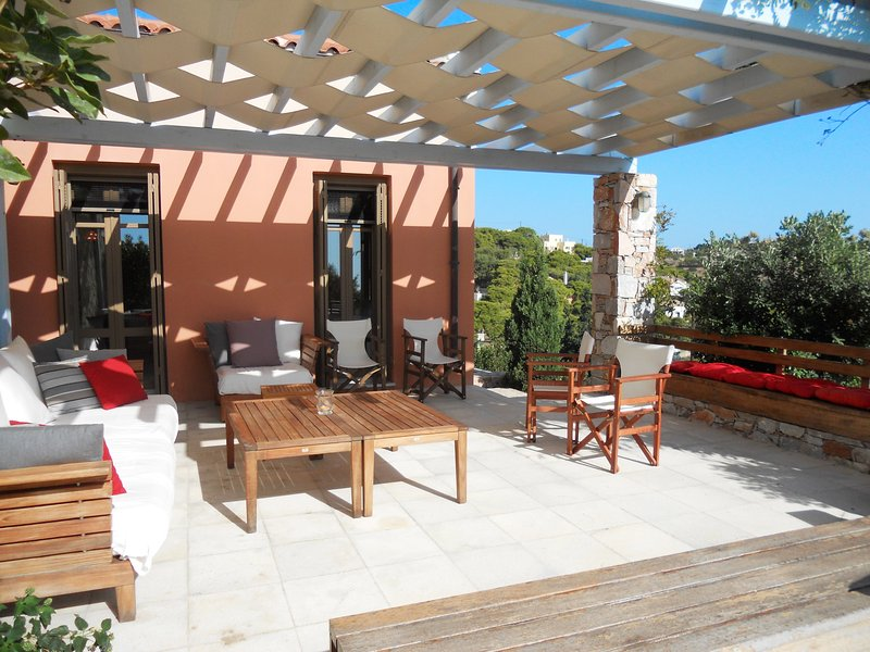 Beautiful house with sea view, vacation rental in Megas Gialos