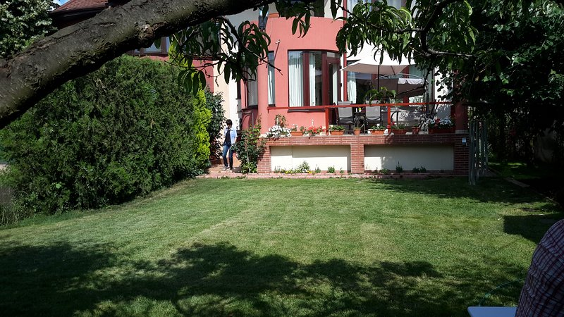 Johanna House villa - Apartment Vintige style, holiday rental in Jilava