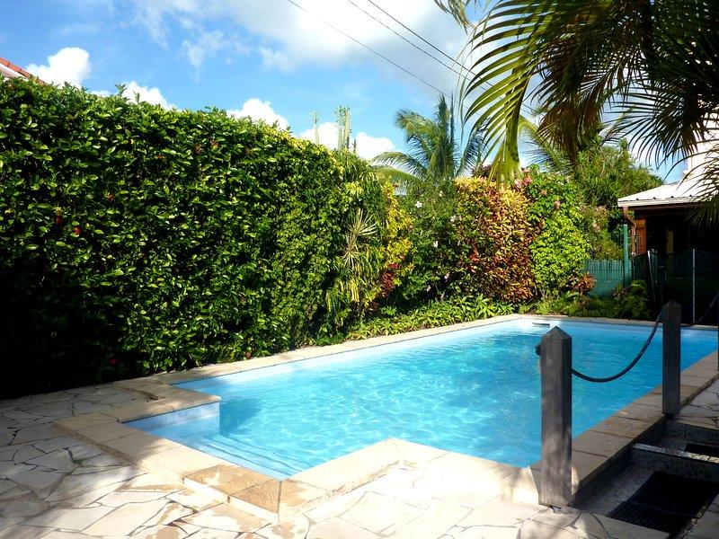 STUDIO MEZZANINE THE KARACOLI SEA VIEW,POOL( vue mer,  piscine), location de vacances à Trois-Ilets