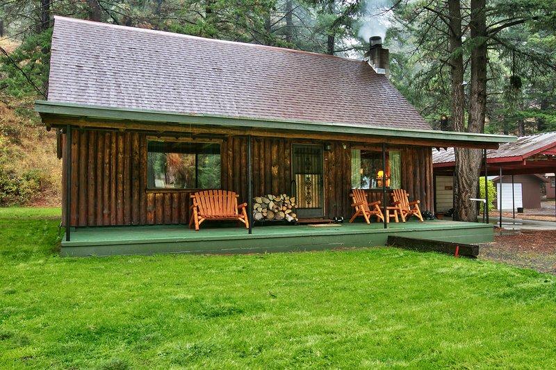 Fahren Sie bis zu Ihrer Kabine Wochenende in den Wald!