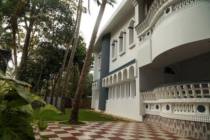 Grandeur Villa, holiday rental in Kovalam