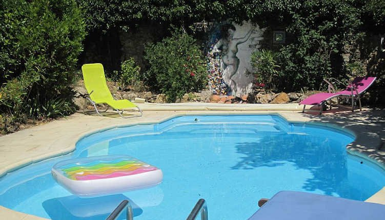 Holiday accommodation France with pool sleeps 10, Ferienwohnung in Laurens