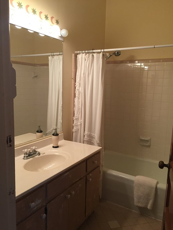 Tree house apartment updated 2019 1 bedroom apartment in - 1 bedroom apartment louisville ky ...
