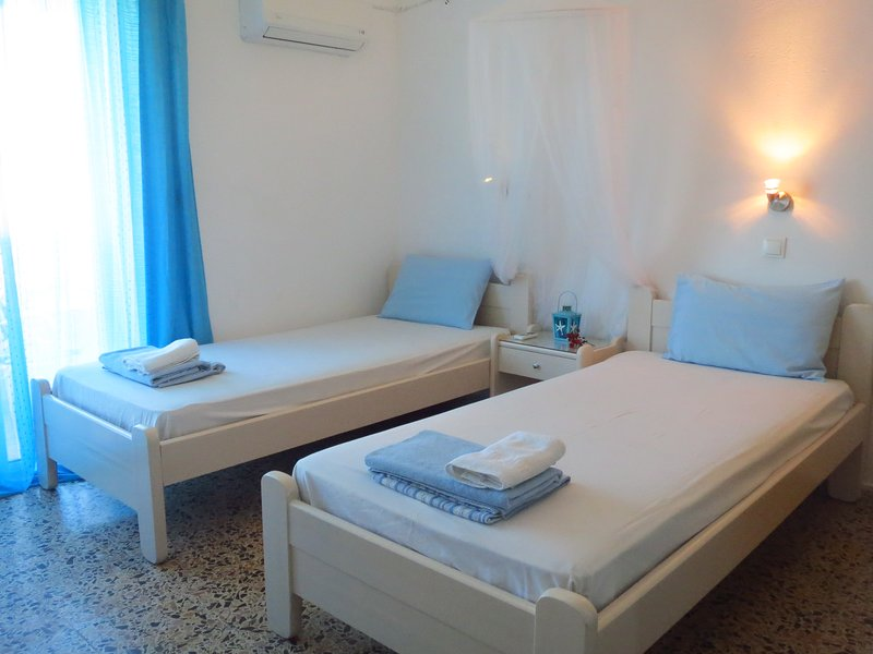 Experience the greek life in ialisos!-Studio for 2, holiday rental in Paradeisi
