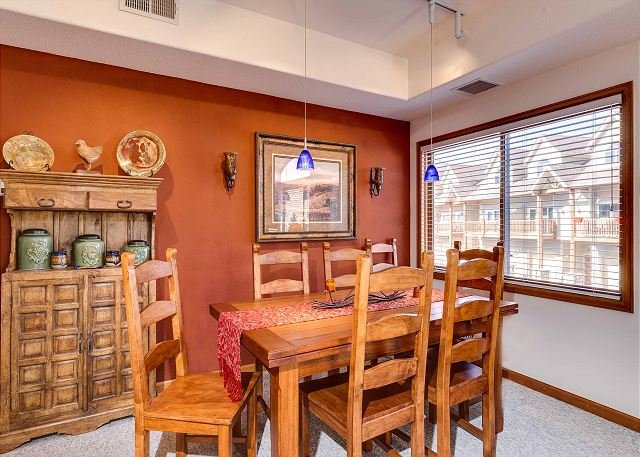 Tour De Point Dining Area Frisco Lodging Vacation Rental