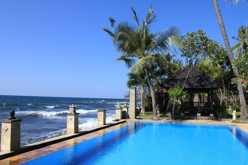 The Ning Beach and Villas Bali, holiday rental in Kubutambahan