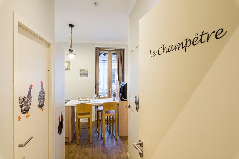 LE CHAMPETRE - Nouveau et moderne, holiday rental in Bron