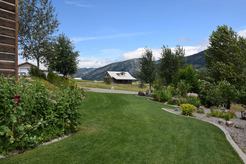 Beautifully landscaped grounds are yours to enjoy at Star Valley Lodge.