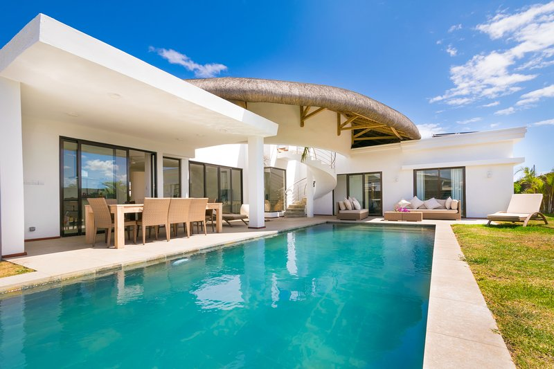 VILLA ORION 4 Chambres 3 SdB Pool jacuzzi, holiday rental in Balaclava