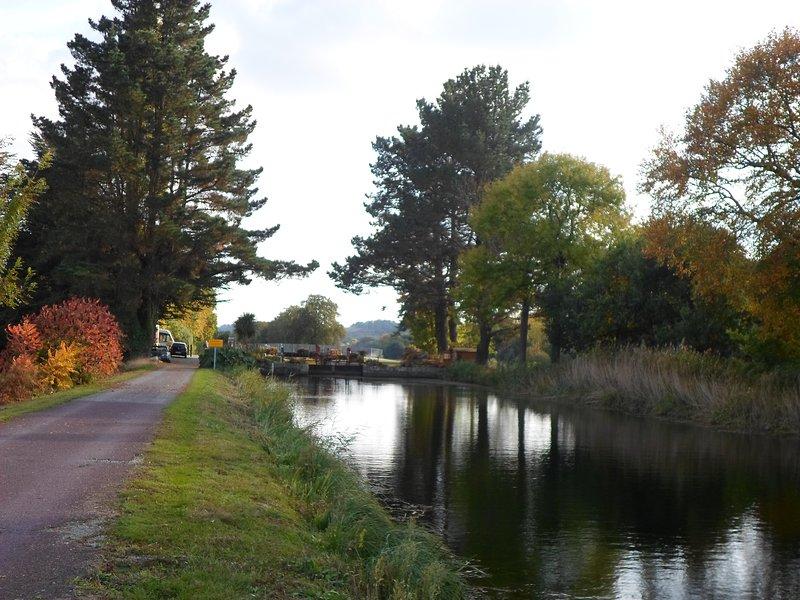 El canal de Brest-Nantes se encuentra a pocos minutos a pie.