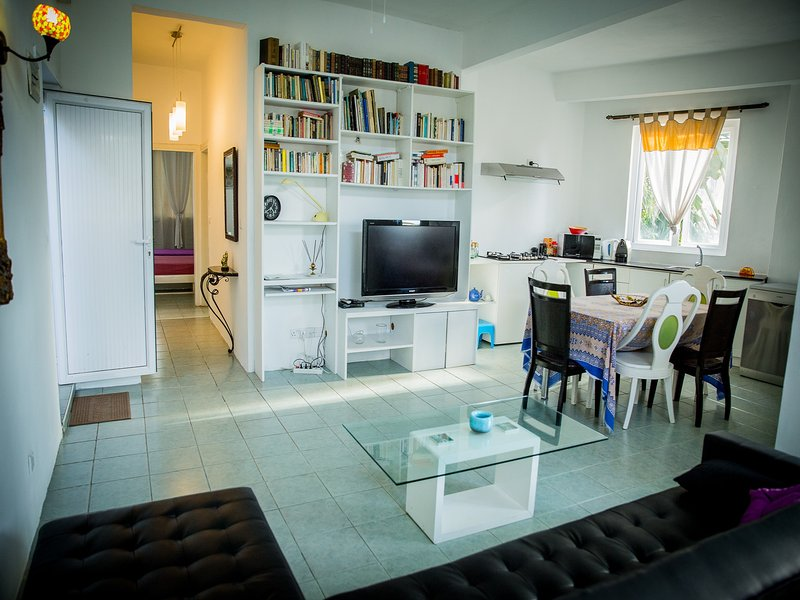 2 bedroom apartment, up to 6 people with a sofa bed in the living, 30 meters from sea