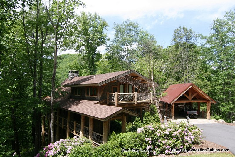 Red Stag Lodge is a spectacular, luxury mountain home in a private setting in the Lodges at Eagles Nest, one of the most desirable and awe-inspiring communities in the mountains of North Carolina.