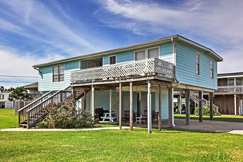 Galveston House Minutes from Beach w/ Pool Access!, vacation rental in Galveston Island