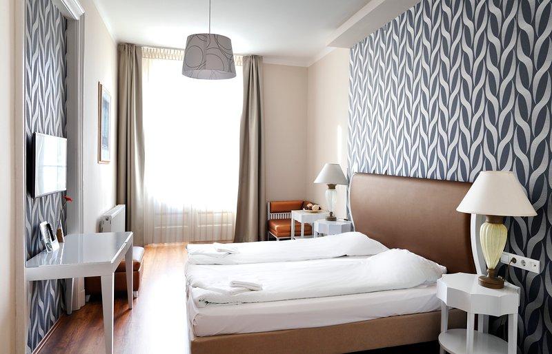 House Octogon - The perfect accommodation!, alquiler vacacional en The Republic of Zubrowka