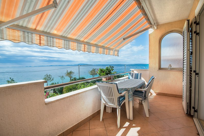 Apartment 2 Luci & Kety LUN,Pag, vacation rental in Island of Pag