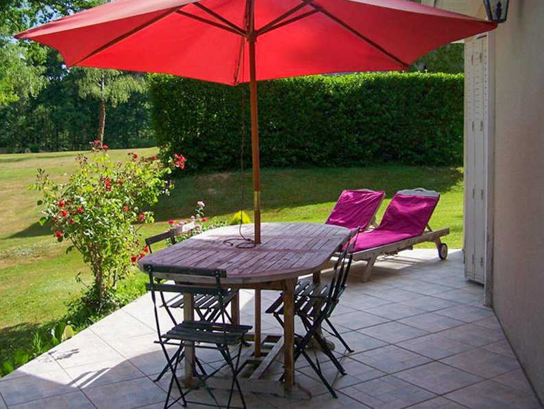 Amazing house with shared pool, holiday rental in Champs-Romain