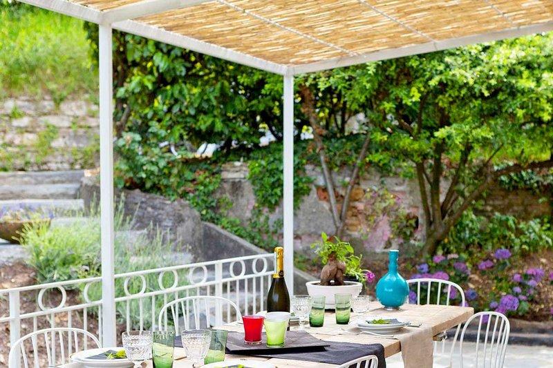 BeB Villa de Hura - Garten - Geräumig - Bright - Details - Essen - Küche - Entspannen - Natur - Grün