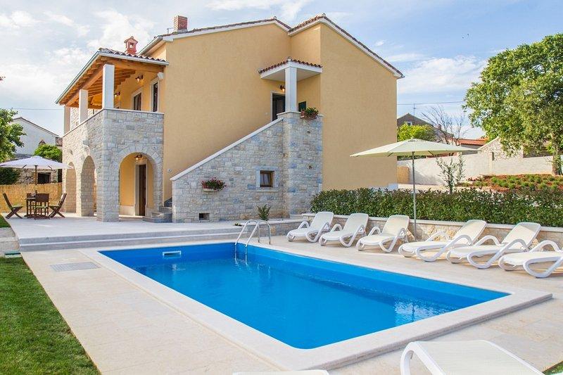 Family friendly villa, vacation rental in Vrsar